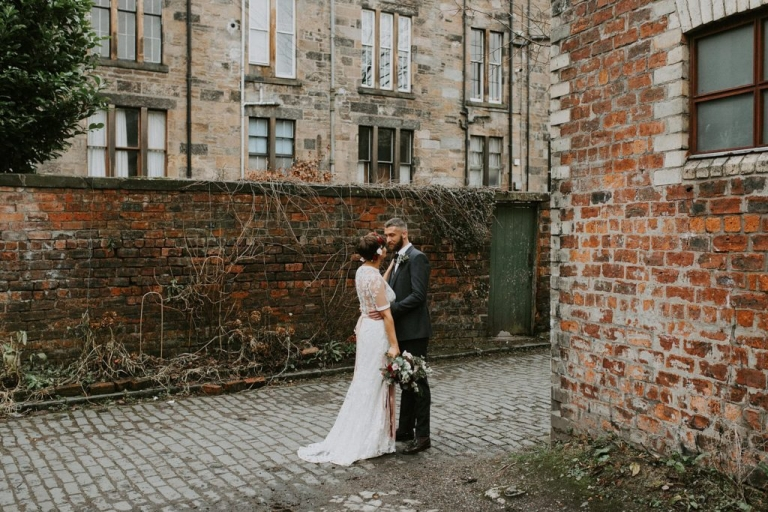 relaxed winter wedding in Glasgow